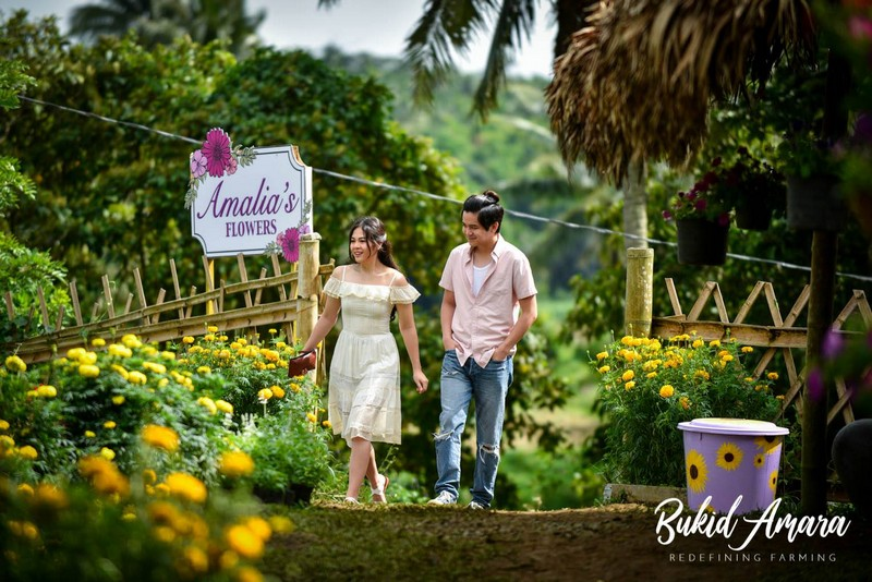 BEHIND-THE-SCENES: Emma & Elias at Amalia's Flower Farm